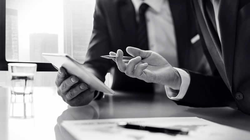 ¿Qué tipo de gestoría elegir? ¿On-line o tradicional? ¿Y una mezcla de las dos?